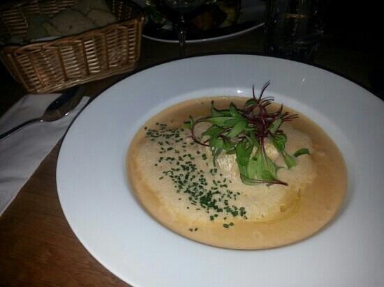 Bee kok & bar Goteborg: Fish soup with salmon and shrimps