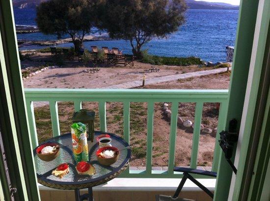 Breakfast, Aigialia