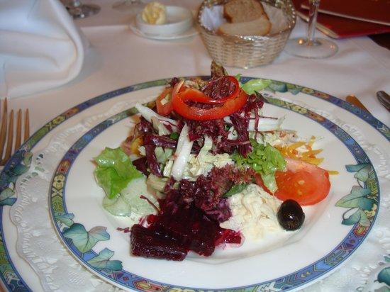 Gasthof Adler Mammern: Salatteller bunt, knackig