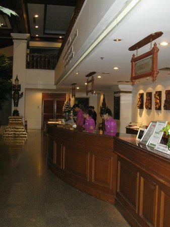Empress Hotel: Reception Desk