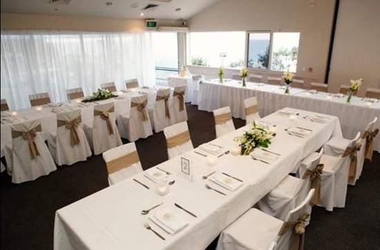 Sunshine Beach Surf Life Saving Club: Ocean view room all set up for a function
