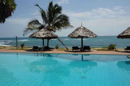 Protea Hotel by Marriott Dar es Salaam Amani Beach: pool view
