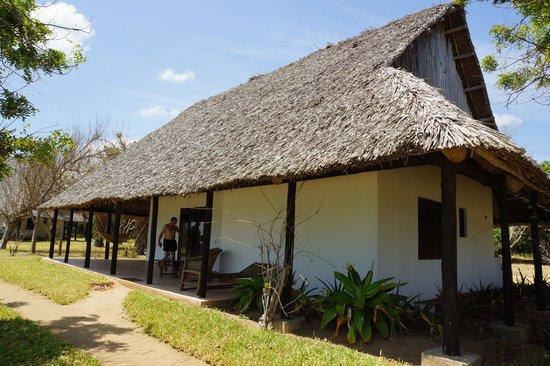 Protea Hotel Dar es Salaam Amani Beach: beach bungalow