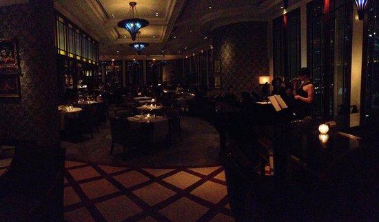 Island Shangri-La Hong Kong: Hotel bar