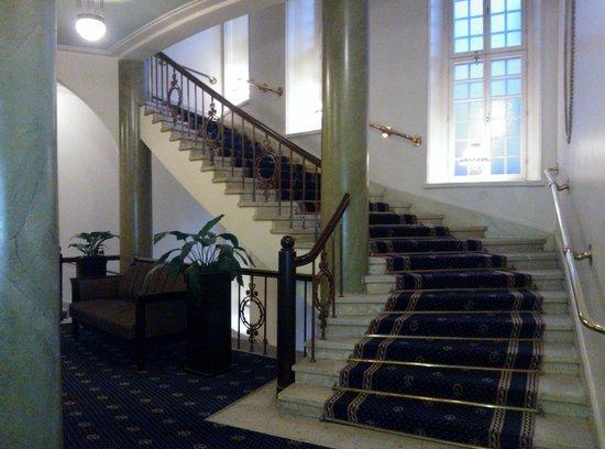 Hotel Seurahuone Helsinki: Staircase