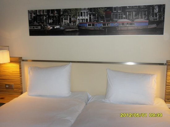 Mövenpick Hotel Amsterdam City Centre: double bed