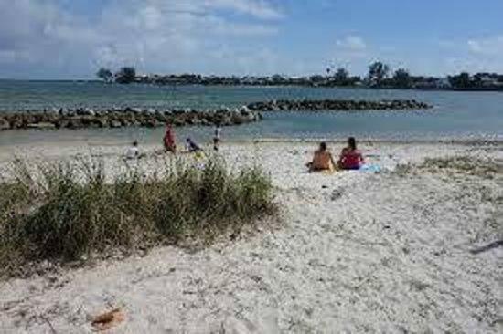 Palm Beach Maritime Museum:                                     Peanut Island Beach