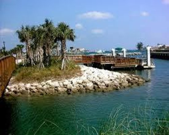 Palm Beach Maritime Museum:                                     Snorkling Lagoon