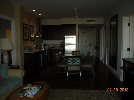 Kings' Land by Hilton Grand Vacations: living suite