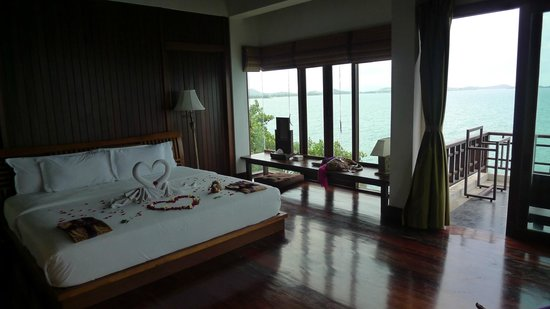 The Kala Samui: Decorated room upon arrival