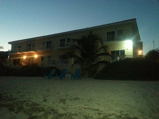 Turtle Nest Inn: Sunset shot from beach