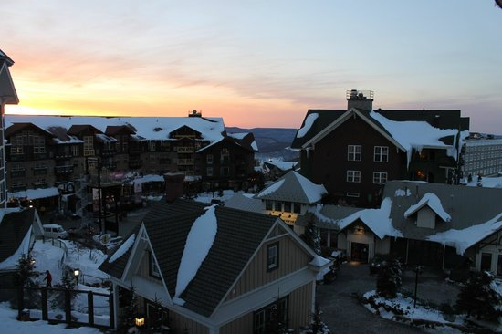 Allegheny Springs: Beautiful Sunset from our balcony overlooking the village.