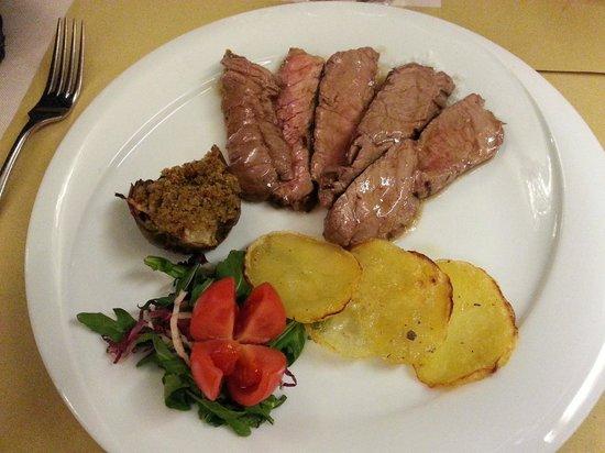 Hotel Helvetia Thermal Spa: tagliata e patate al forno