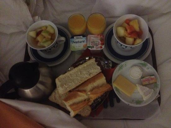 Hôtel Madeloc : le petit déjeuner en chambre