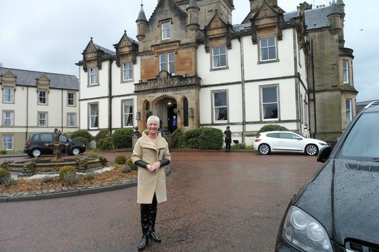 Cameron House on Loch Lomond: Mrs B waiting on the car being brought round by the valets