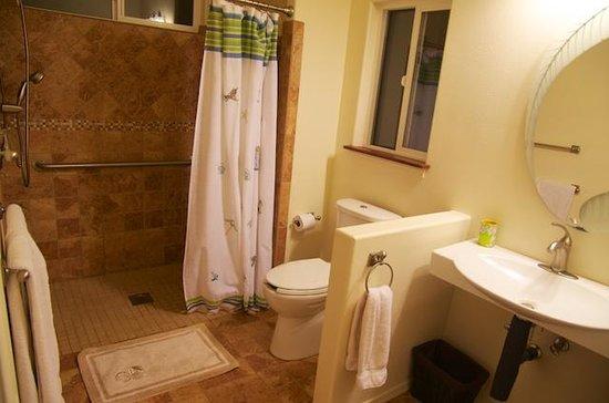 Tr s belle location hale hou hoaloha pictures tripadvisor for Salle de bain attenante
