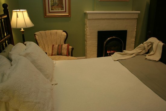 Napoleon's Retreat Bed & Breakfast: The Charles de Gaulle's fireplace adds the perfect touch of romance