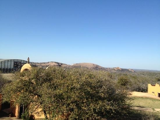 Trois Estate at Enchanted Rock: enchanted rock view from hotel
