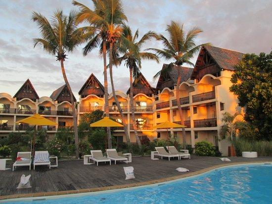 Royal Beach Hotel: et oui le soleil se couche aussi