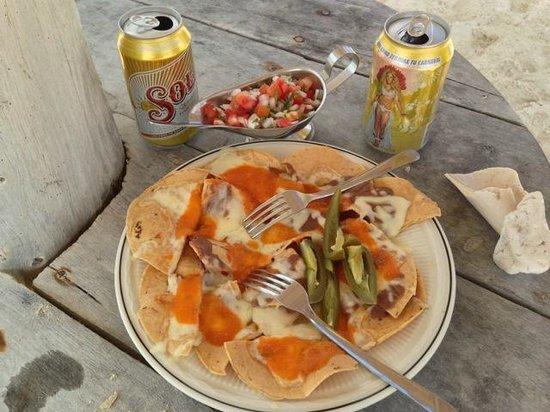 Cozumel Bar Hop: Tasty nachos at Playa Bonita