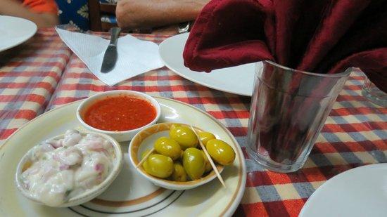 Cafe Restaurant Ibtissam : olive come free