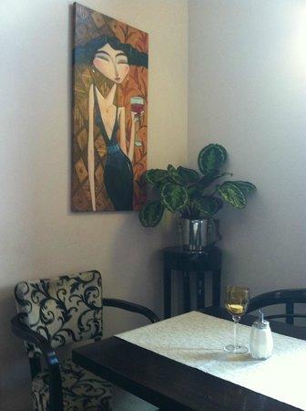 Figaro Cafe & Restaurant: Inside the Figaro Cafe and Restaurant