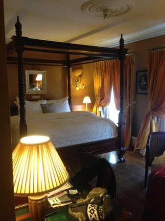 Hotel De Tuilerieen: chambre