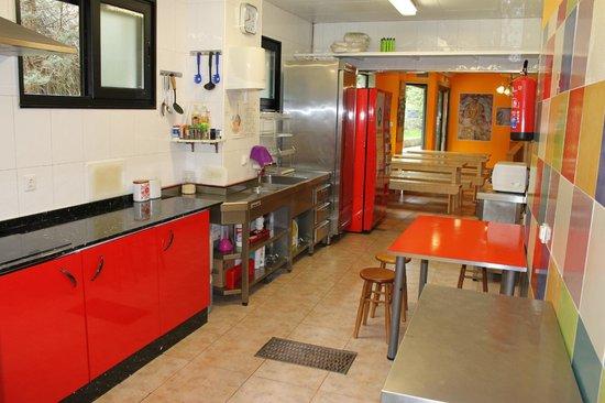 Albergue Acuario: Cocina Y Comedor