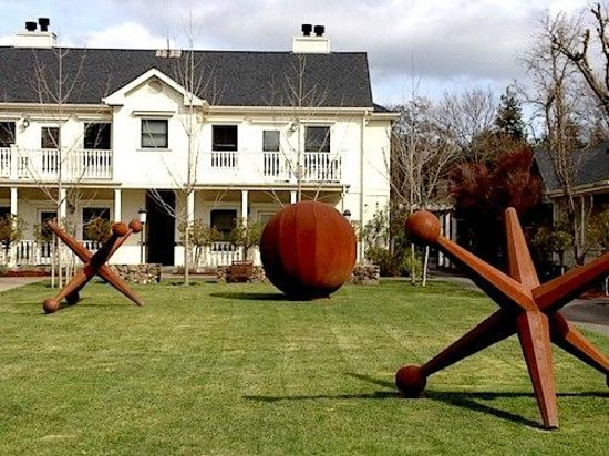 MacArthur Place - Sonoma's Historic Inn & Spa: Fun outdoor sculptures