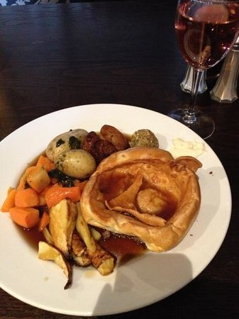 The John Gilbert:                   Sunday Roast at 3pm. Not great selection for £8.95 per head. Tasted good thoug