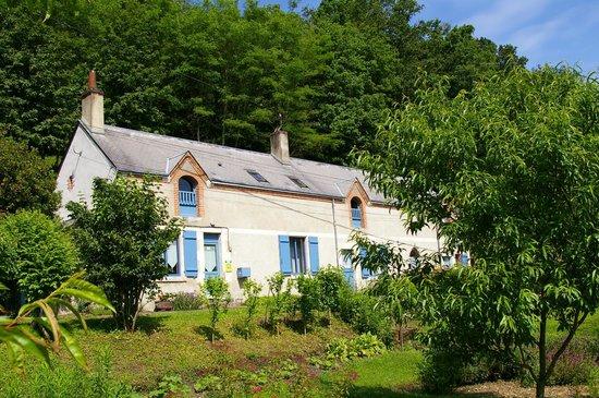 La Source de Bury: Façade de la maison