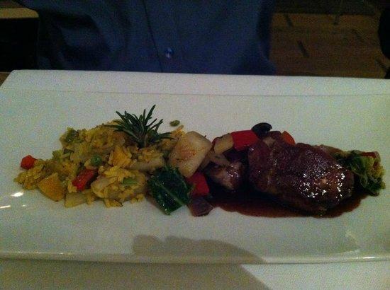 Restaurant Essort : Kalbsmedallion eingewickelt in Pata Negra mit Safranreis