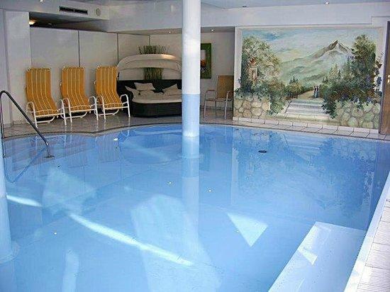 Hotel Klausen: ...das Pool im Haus, tolles Wellnessprogramm
