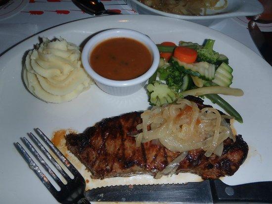 Lobster Pot : Great Steak and Garlic Mash