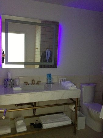 21c Museum Hotel Bentonville: The James Turrell inspired light fixture :)