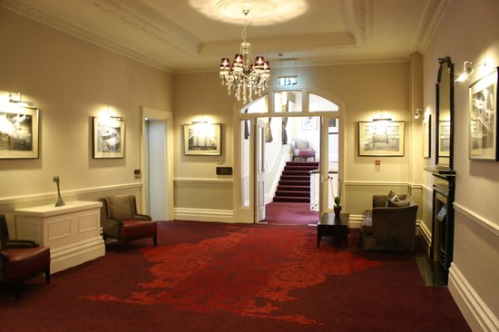 The Grosvenor Hotel: Hallway view