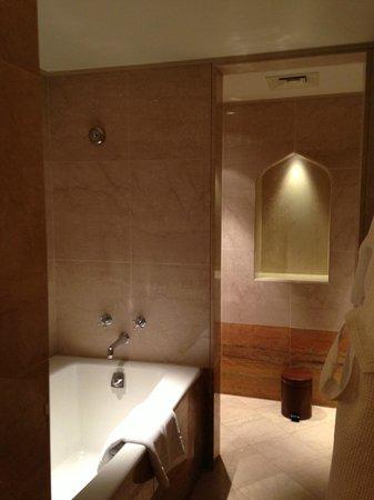 Sheraton Abu Dhabi Hotel & Resort: bagno 2