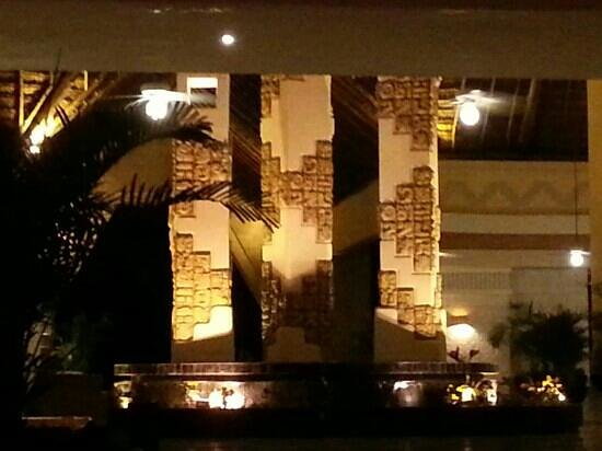 Grand Bahia Principe Coba: the wonderful mayan calendar greets you at Coba reception