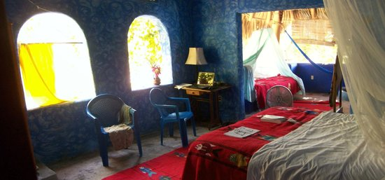 Casa del Encanto: upstairs blue (India) room