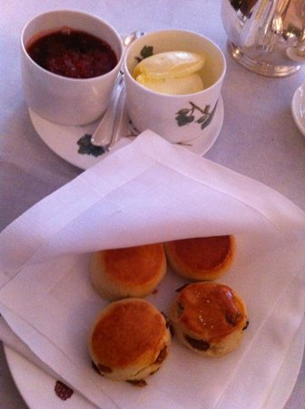 Brown's Hotel: Scones