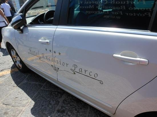 Luxury Villa Excelsior Parco:                                     Andres car ~ hes perfect