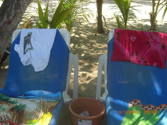 Grand Bahia Principe El Portillo: beach chairs! Our spot