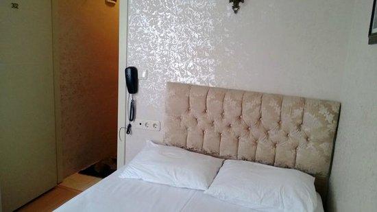 Hotel New Era: stanza