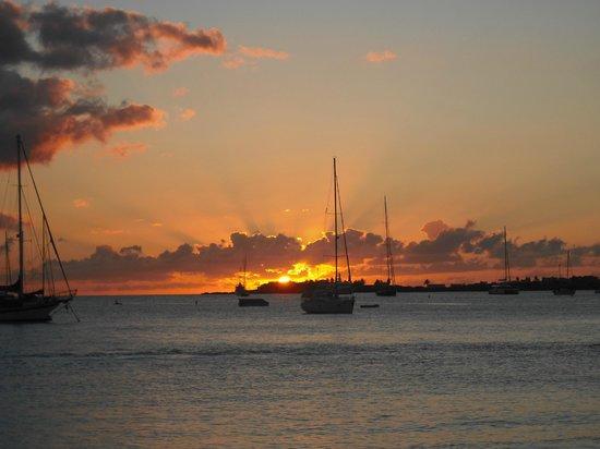 Simpson Bay, St. Martin/St. Maarten: Sunset after Friday Fun Sail