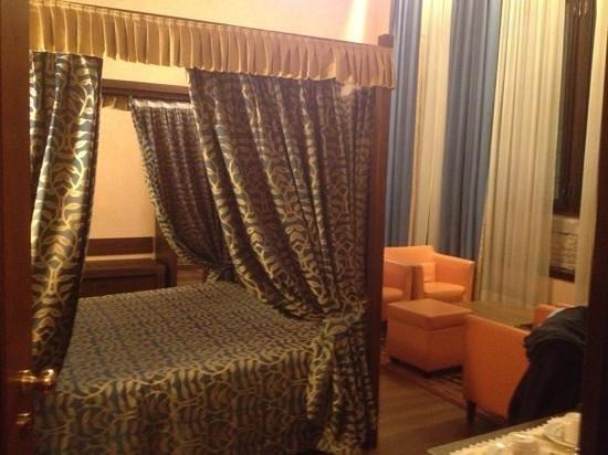 Palazzo Selvadego: camera matrimoniale 615