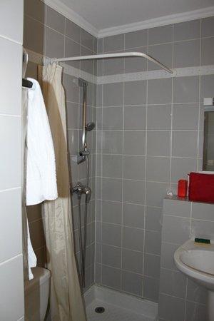 Motel Saint Michel : salle de bains