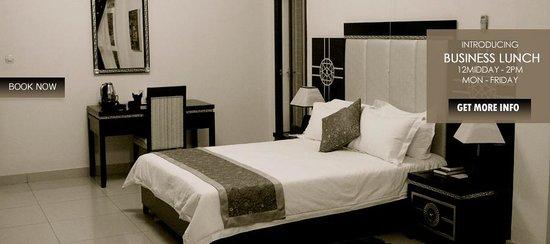 Star Hotel : room