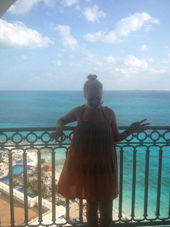 Hotel Riu Cancun: balcony in room