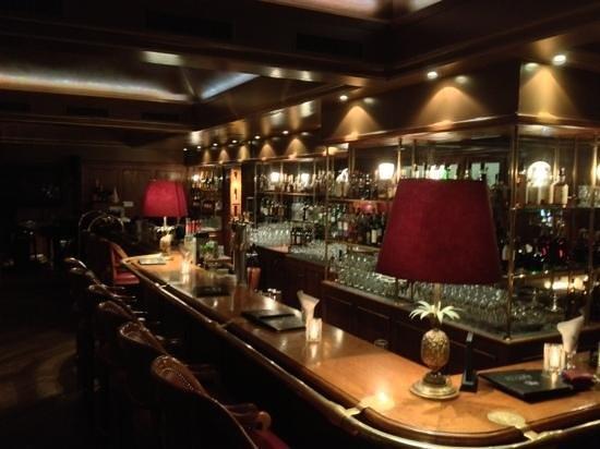 Funky Claude's Bar : bar