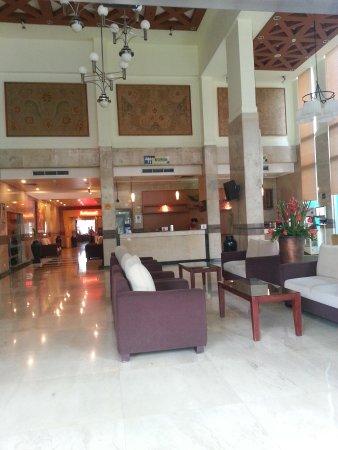 Hotel Lobby Picture Of Ibis Jakarta Kemayoran Tripadvisor